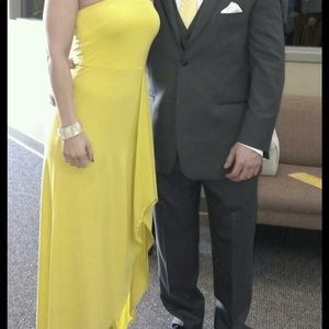 Yellow, strapless dress